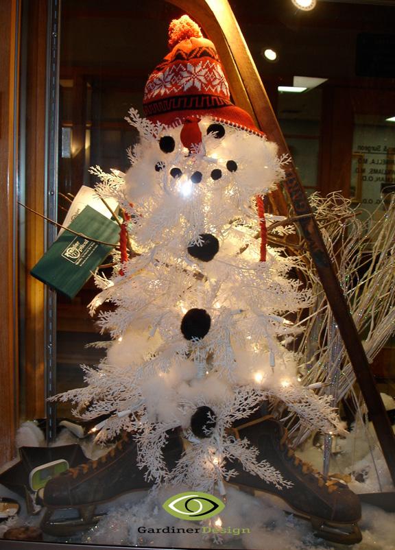Antique Christmas Ornaments >> Winter Window Displays